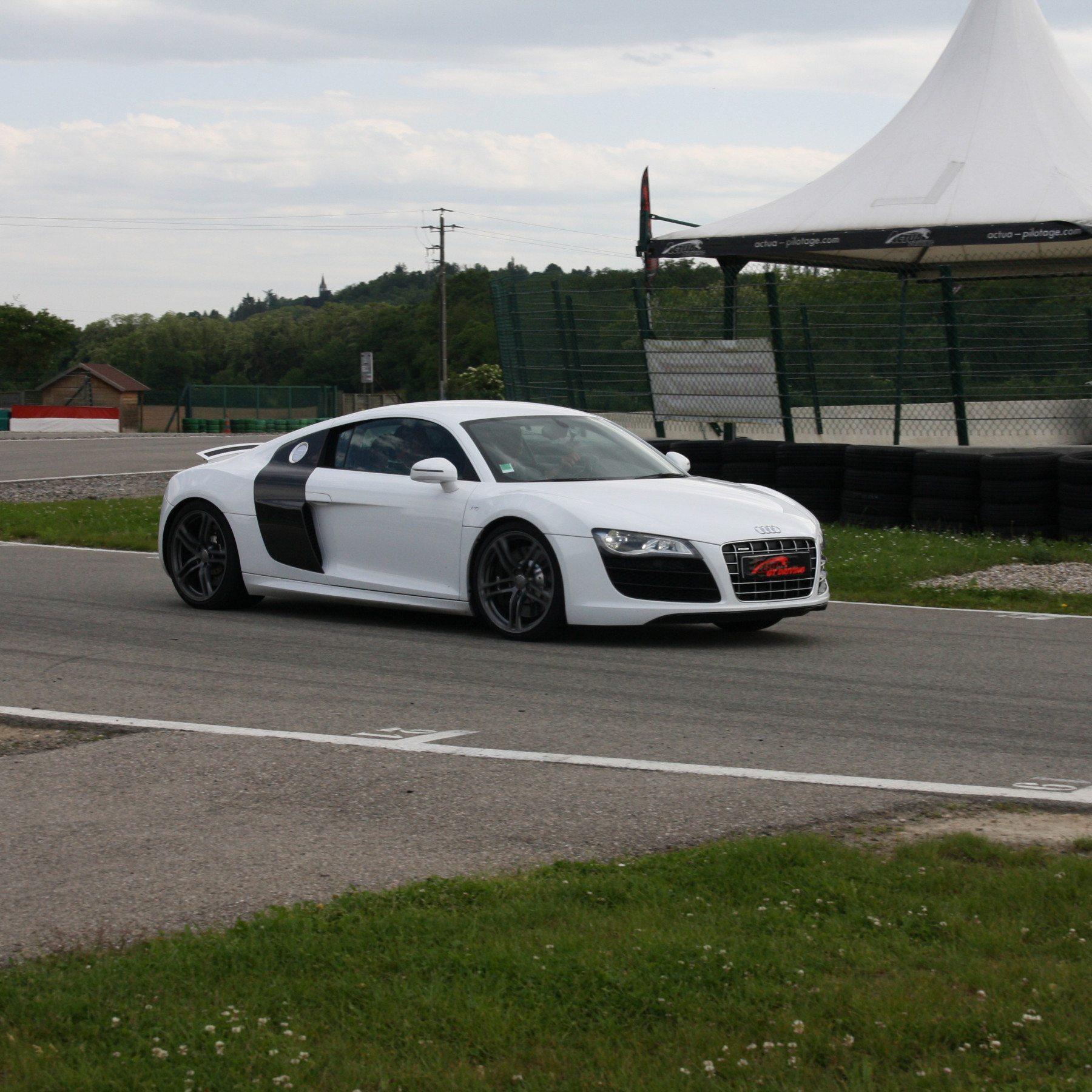 Guida una Audi R8 V10 da 99 € - Castelletto di Branduzzo