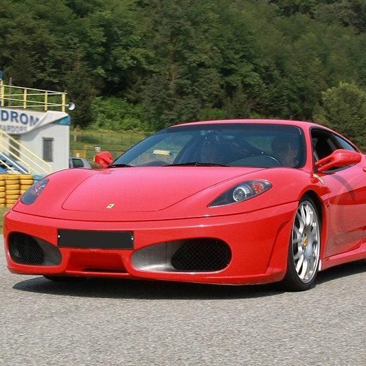 Guida una Ferrari F430 da 199 € | Autodromo del Mugello