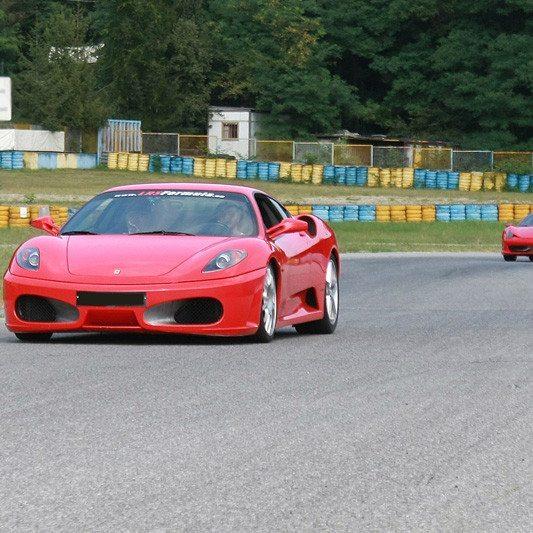 Guida una Ferrari F458 Italia da 149 € - Autodromo di Varano