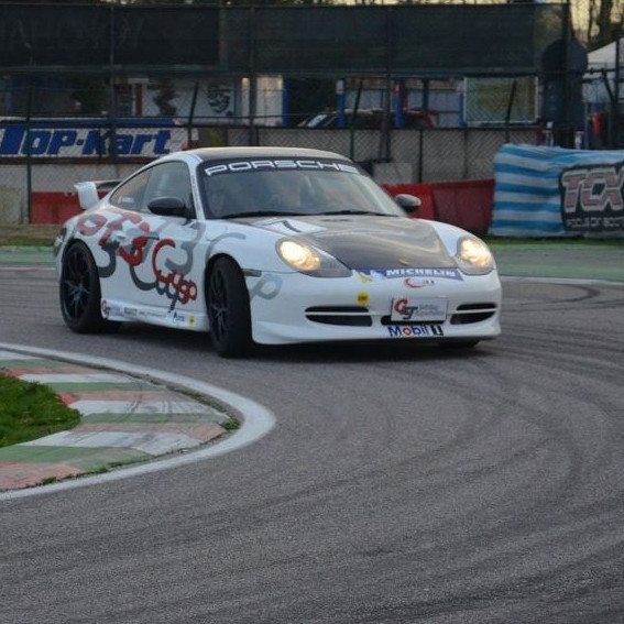 Guida una GT al Circuito Internazionale Le Colline - Pavia