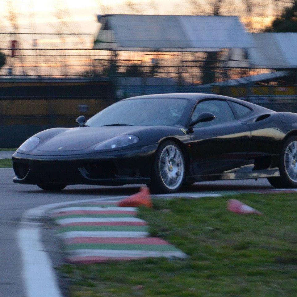 Guida una GT al Circuito Valle del Liri - Frosinone