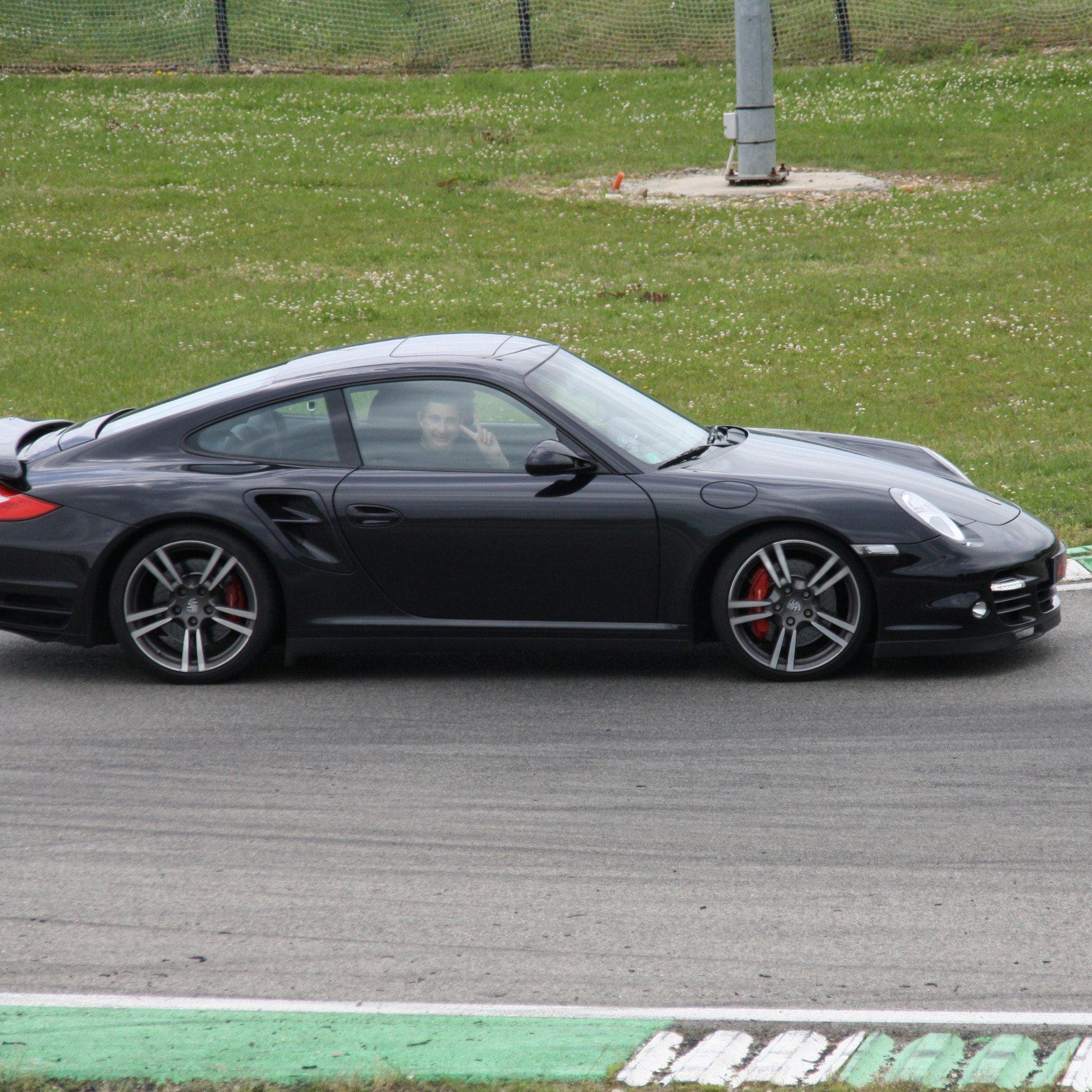 Guida una Porsche 997 BiTurbo da 99 € - Castelletto di Branduzzo