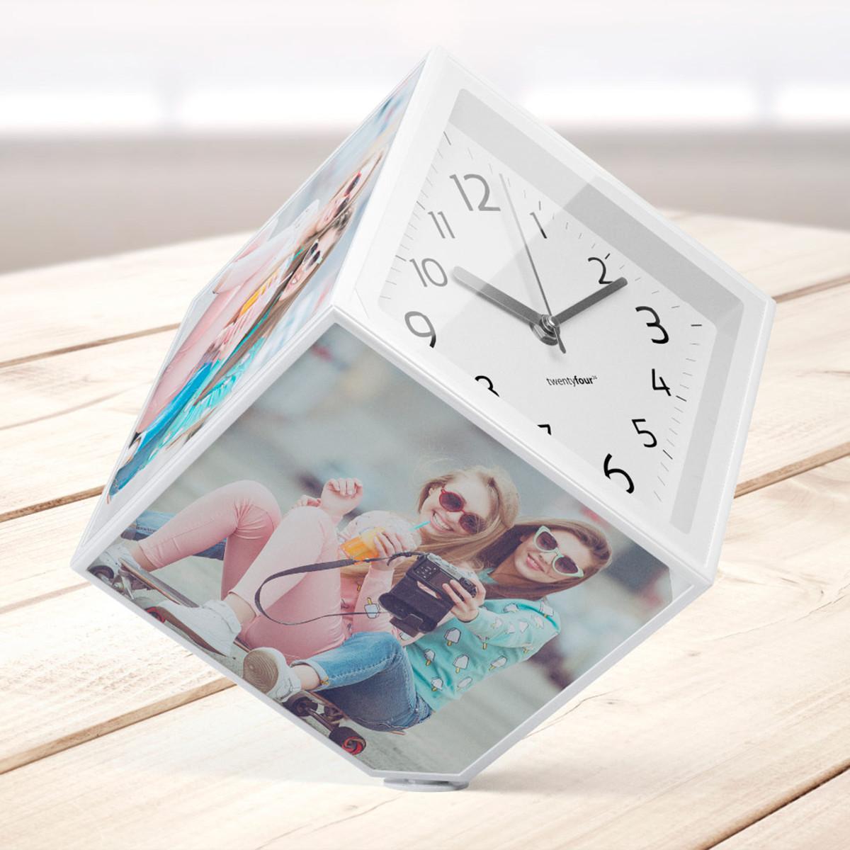 Rotierender Fotowürfel mit Uhr