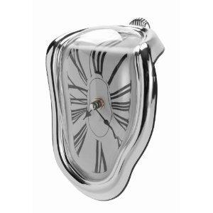 Schmelzende Uhr im Dalí-Stil