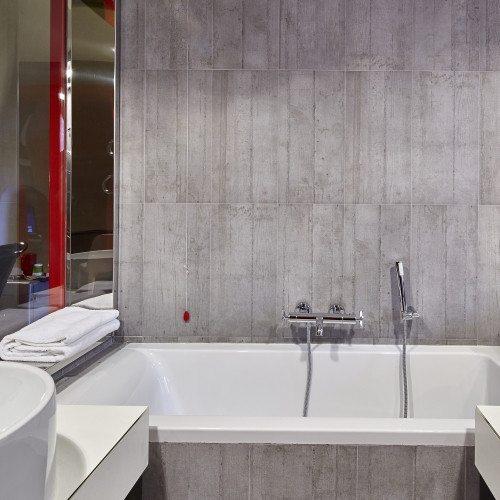 Soggiorno con spa romantico soggiorno sul lago d iseo con for Soggiorno spa