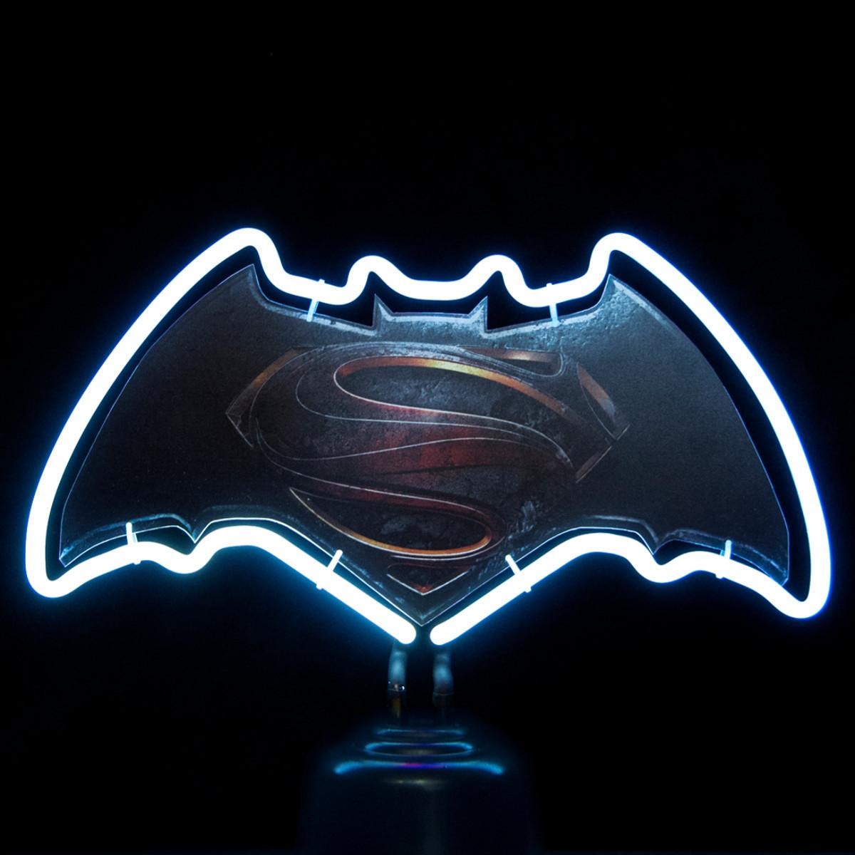 Batman v Superman: Neonlicht