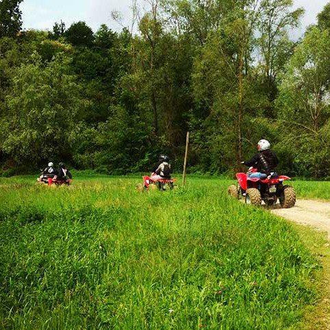 Escursione in quad con aperitivo per due nel Monferrato