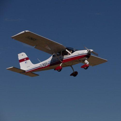 Pilota un aereo ultraleggero sul Piemonte - Asti