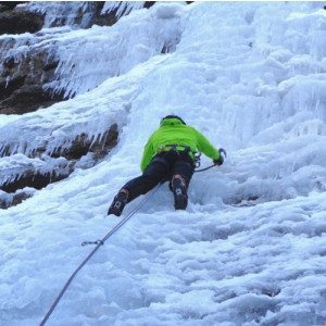 Arrampicata di gruppo su cascata di ghiaccio - Madonna di Campiglio