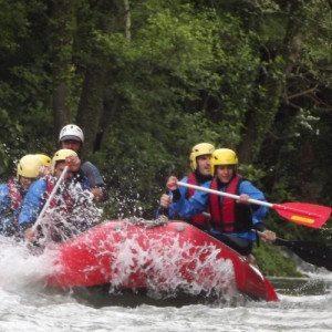 Discesa classica di rafting in Campania