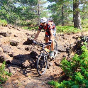 Esplora l'Etna in mountain bike, tour intermedio - Catania, Sicilia