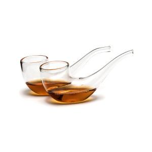 Gläser in Pfeifenform