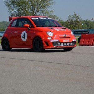 Guida un'auto da rally al Circuito Internazionale Le Colline - Pavia