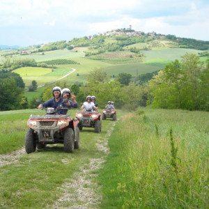 Guida un quad per un'ora tra le colline del Monferrato