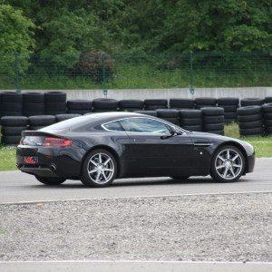 Guida una Aston Martin da 99 € - Il Sagittario, Latina