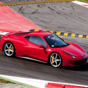 Guida una Ferrari 458 Italia in Pista - Circuito di Vairano