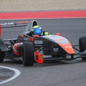 Guida una Formula Renault sul circuito di Franciacorta
