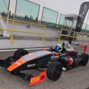 Guida una Formula Renault sul circuito di Vallelunga