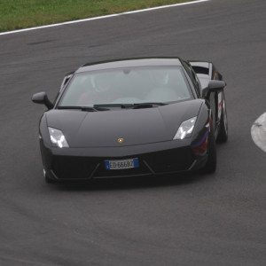 Guida una Lamborghini Gallardo all'Autodromo di Vallelunga