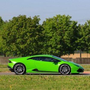 Guida una Lamborghini Huracán al Circuito di Viterbo