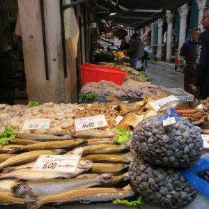 Il mercato del pesce: tour e soggiorno - Venezia