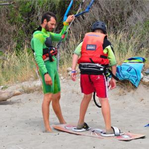 Impara il kitesurf in Salento, corso base - Torre Mozza, Puglia
