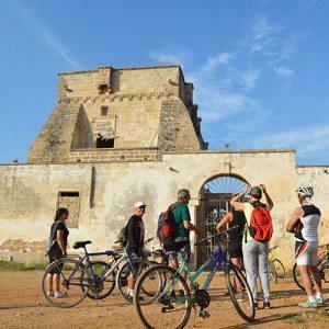 In bicicletta tra masserie e natura protetta - Porto Selvaggio, Salento