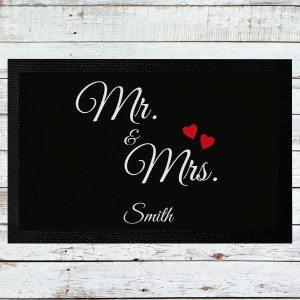 """""""Mr. & Mrs."""": Persönliche Fußmatte bedrucken"""
