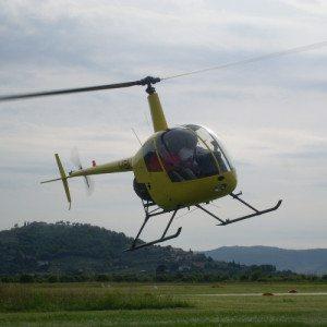 Pilota un elicottero: volo ai comandi di un elicottero - Arezzo