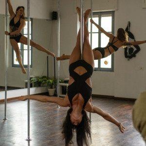 Pole Dance Party con buffet a Milano: festeggia con le amiche!