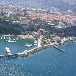 Sorvola la costiera amalfitana, volo in elicottero - Napoli