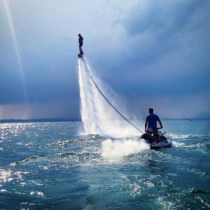 Vola sull'acqua, flyboard sul Lago di Garda - Verona, Veneto