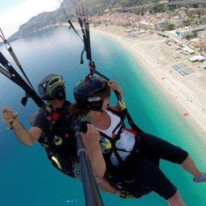 Volo in parapendio dal Monte Venere su Taormina