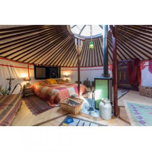 Yurta per innamorati: soggiorno con cena e massaggio - Torino